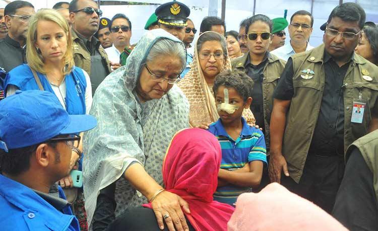 প্রধানমন্ত্রী মঙ্গলবার কুতুপালং ক্যাম্পে আশ্রয় নেয়া রোহিঙ্গাদের সাথে কথা বলেন