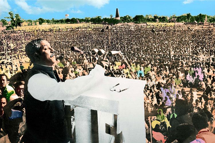 ঐতিহাসিক রেসকোর্স ময়দানে ১৯৭১ সালের ৭ মার্চ স্বাধীনতাকামী লাখো বাঙালির মাঝে তিনি