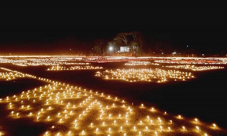 নড়াইলে লাখো প্রদীপ জ্বালিয়ে ভাষা শহীদদের স্মরণ